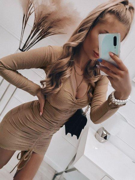 Sukienka z marszczeniem...