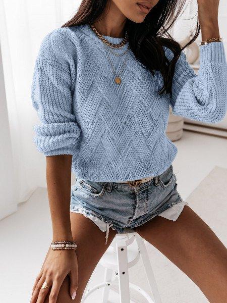 Sweter z ozdobnym splotem DAGIE - błękitny