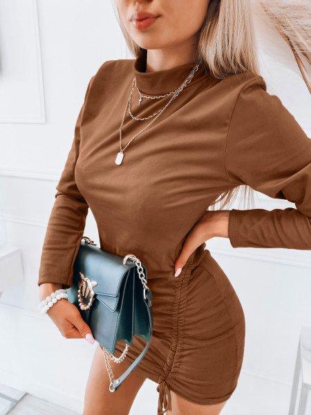 Zamszowa sukienka z marszczeniem - ALINA - karmelowa