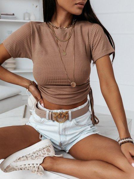 Prążkowana bluzka z marszczonymi bokami ALLURE - beżowa