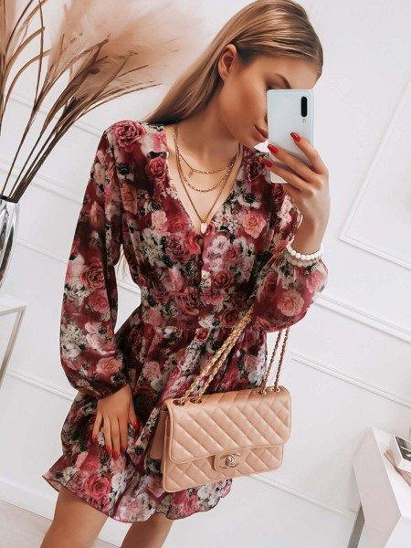Zwiewna sukienka w kwiaty...