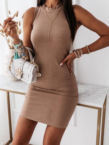 Dopasowana sukienka w...