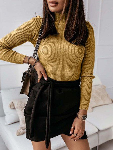 Dopasowany sweterek ze stójką LUIZA - musztardowy