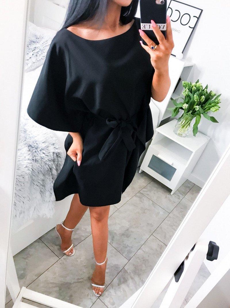 Kobieca sukienka nietoperz AMATIS-czerń
