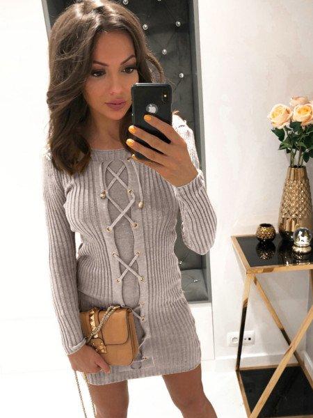 Dopasowana sweterkowa...