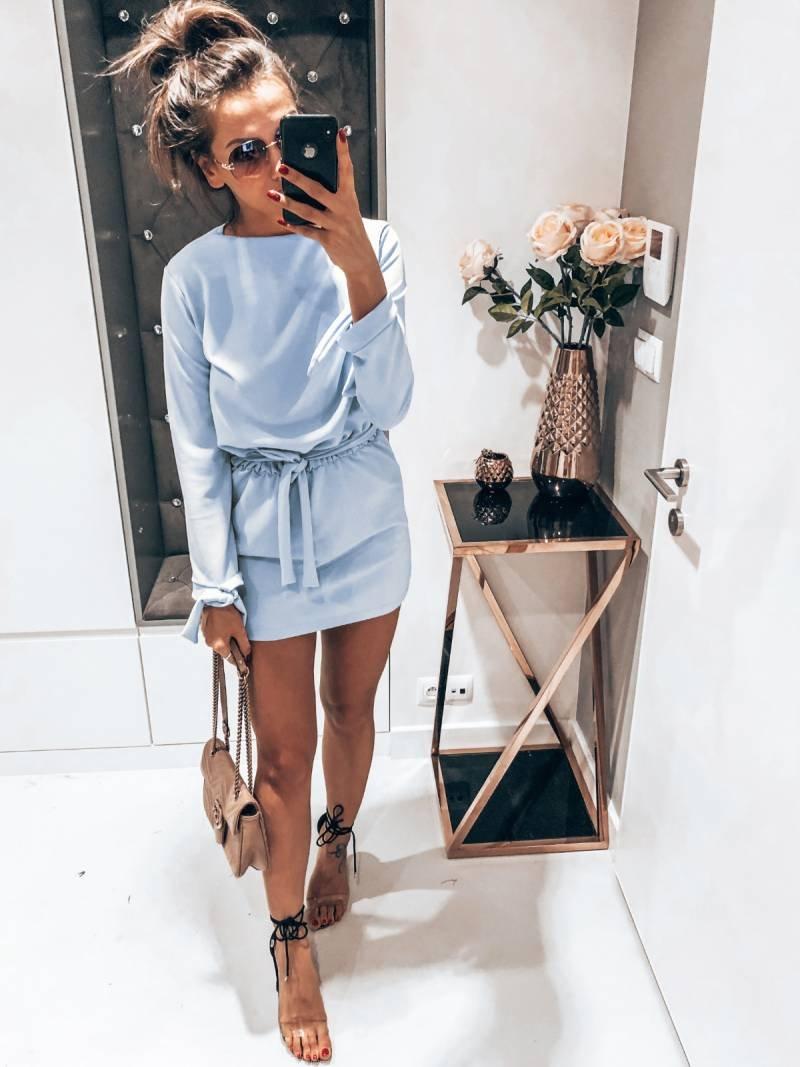 Sukienka wiązana w pasie SALMA - błękit