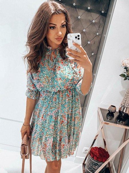 Sukienka w drobne kwiatki...