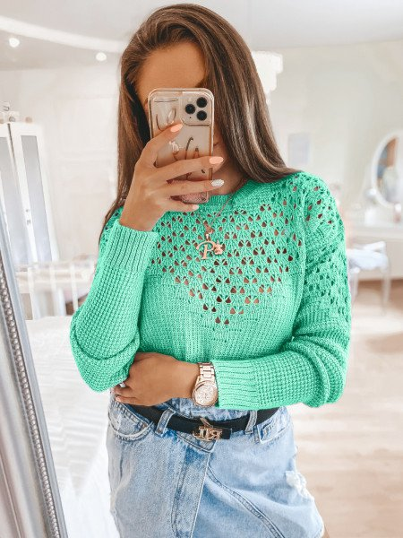 Ażurowy sweter z wycięciami...