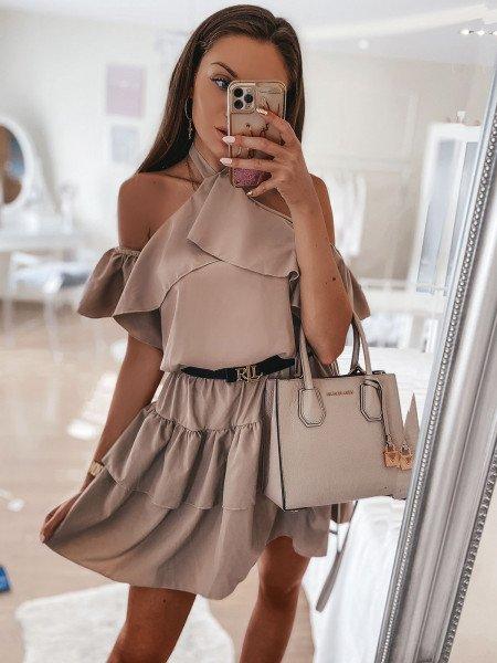 Rozkloszowana sukienka z falbankami LUCY - latte