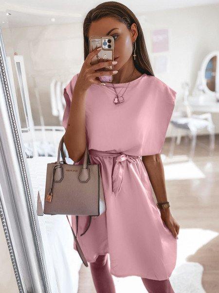 Sukienka z dekoltem na plecach - NATIS - pudrowy róż