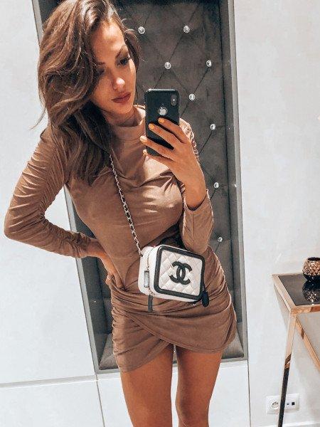 Zamszowa asymetryczna sukienka ANIKA - karmel