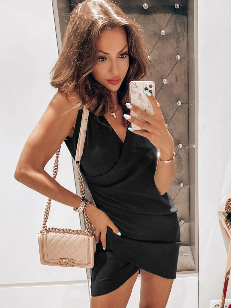 Dopasowana sukienka LARISSA - czarna
