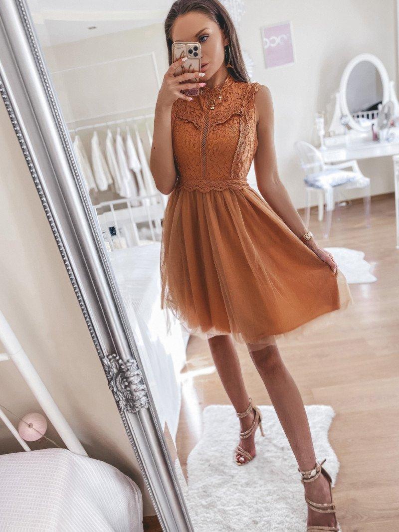 Tiulowa sukienka z koronką - GLAMOUR...