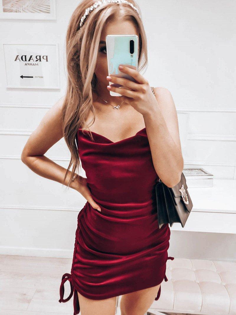 Welurowa sukienka na ramiączkach GISELE - bordowa