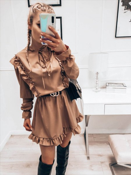 Sukienka z wiązanym dekoltem ASTRID - beżowa