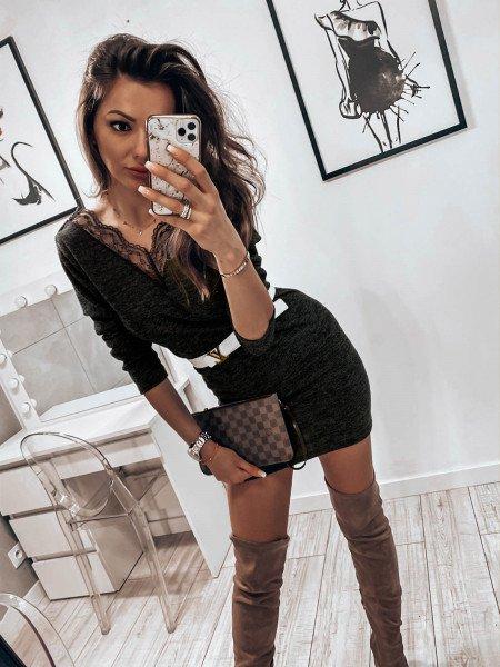 Kobieca sweterkowa sukienka...