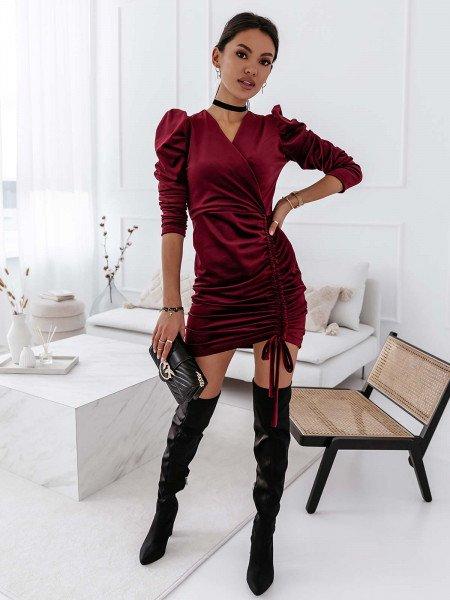 Welurowa sukienka z marszczeniem DIYA - bordowa