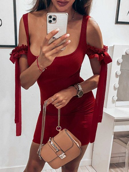 Prążkowana sukienka z...