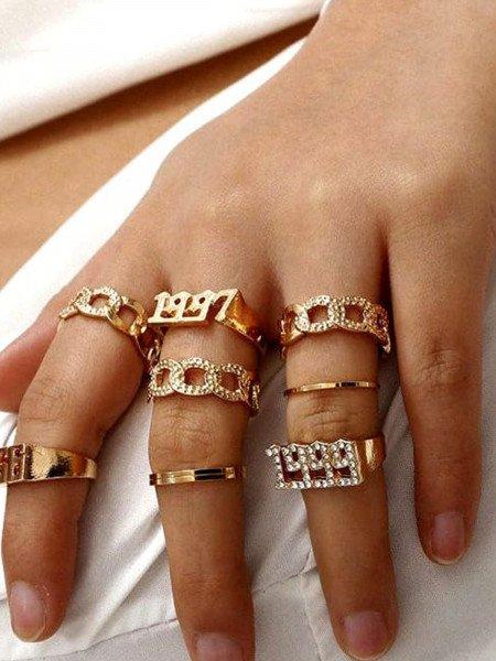 Zestaw 8 pierścionków złote