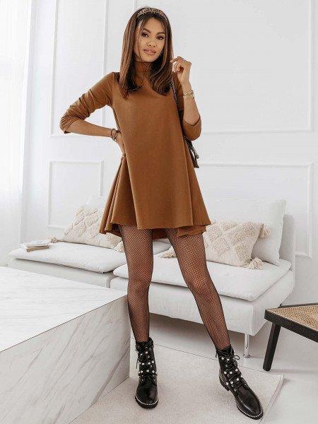 Trapezowa sukienka z półgolfem AZIZA - beżowa