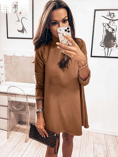 Trapezowa sukienka z półgolfem AZIZA - beżowy